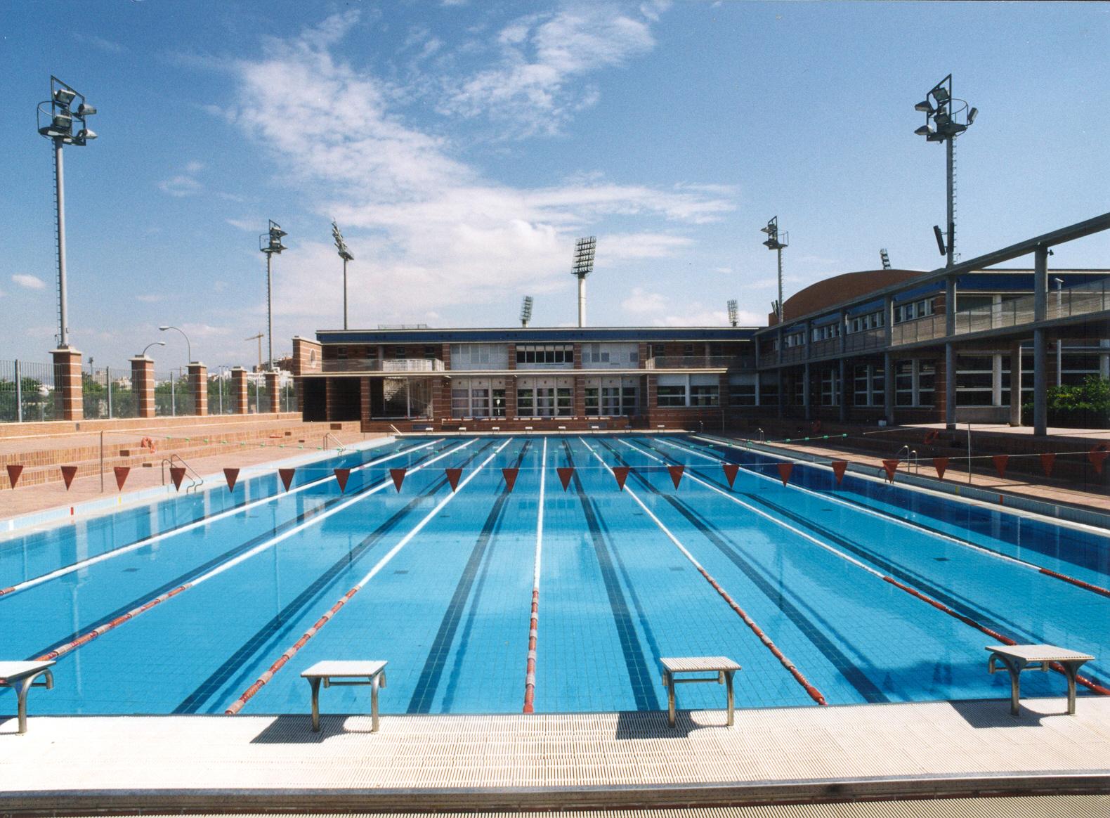 Complejo de piscinas monte tossal ayuntamiento de alicante for Alberca 8 de julio