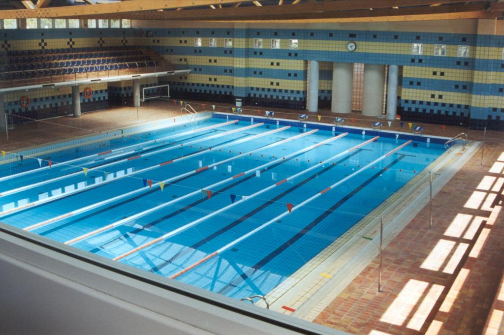 Complejo de piscinas monte tossal jos antonio chicoy for Piscina universidad alicante