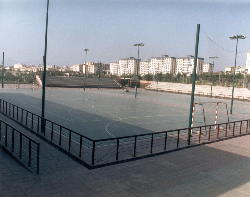 Polideportivo parque lo morant ayuntamiento de alicante for Oficina trafico alicante
