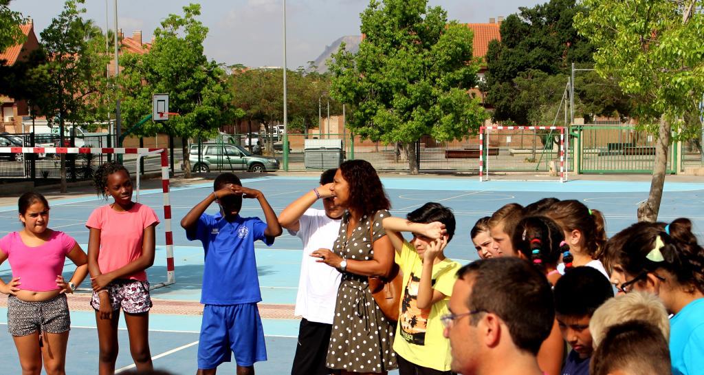 El Ayuntamiento garantiza la alimentación de 700 menores en la ...