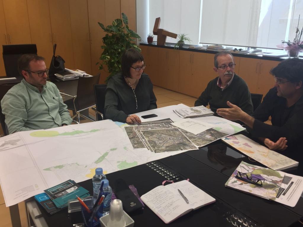 Urbanismo y la adl abordan la situaci n hoy y el futuro for Oficina de empadronamiento de alicante