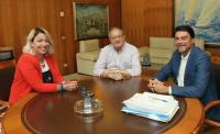 El alcalde Luis Barcala, la concejala Marisa Gayo y el federativo Damián López