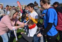 Marisa Gayo entrega medallas a algunos participantes