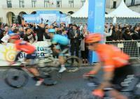 El alcalde y la concejala de Deportes han tomado parte en los actos que han rodeado a la salida neutralizada de la II etapa