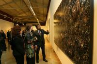 """El alcalde de Alicante durante la inauguración de la exposición """"Construyendo Historias"""""""