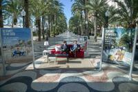 Luis Barcala e Israel Cortés presentan la nueva campaña de limpieza en la Explanada