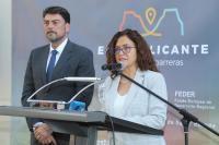 La edil de Cultura y de Coordinación de Proyectos, María Dolores Padilla, en el acto de apertura de la Oficina de Información y Comunicación de la EDUSI Alicante - Área Las Cigarreras