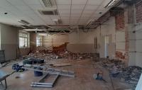 Trabajos que se realizan en el interior del Centro de mayores de San Gabriel