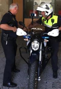 La Policía Local de Alicante pone a prueba las motos eléctricas y comienza a patrullar hoy con un prototipo Zero DSR con autonomía para 200 kilómetros