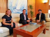 Luis Barcala se entrevista con Herick Campos