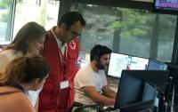 Julia Llopis, en el centro de coordinación de Cruz Roja