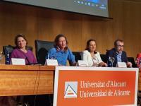 María Conejero, concejala de Igualdad, en la Universidad de Alicante