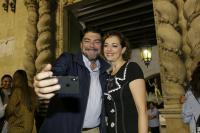 Luis Barcala felicita a Toñi Martín-Zarco, nueva presidenta de la Federación de Hogueras
