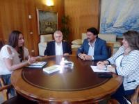El alcalde se entrevista con representantes de la ONCE