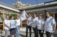 El alcalde y las concejalas Julia Llopis y María Conejero, con las cuatro socias de ACMM