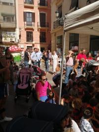 """Nutrida asistencia de participante en """"Botigues al Carrer"""""""