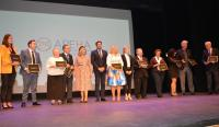 Homenaje a los presidentes de APEHA en la gala por sus 40 años