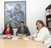 Luis Barcala, Mónica Oltra y Julia Llopis, en el transcurso de la reunión