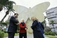 El alcalde, Hortensia Herrero, Mari Carmen Sánchez y José Luis Berenguer, ante la obra