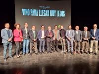 Quique Dacosta y Carlos Rodríguez, protagonistas de la campaña, junto al concejal de Cultura, Antonio Manresa y demás representantes de corporac...