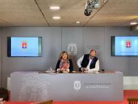 La vicealcaldesa de Alicante, Mari Carmen Sánchez, y el concejal, Manuel Villar, en la rueda de prensa de la Junta de Gobierno Local