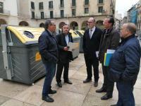 El concejal de Medio Ambiente, Manuel Villar y el director de gestión Local y Autonómica de Ecoembes, Ángel Hervella Touchard