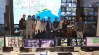 Los alumnos del Leonardo Da Vinci en la sala de tráfico de la ciudad