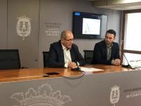 El concejal de Seguridad, José Ramón González y el representante de la Plataforma Cero, Isaías López