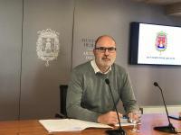El concejal de Limpieza y Residuos, Manuel Villar, en la rueda de prensa de la Junta de Gobierno Local