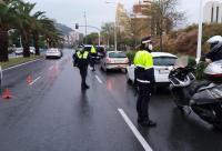 La Policía Local de Alicante en uno de los controles por el estado de alarma
