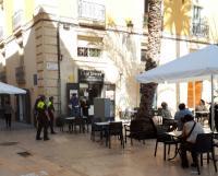 Policia Local en las terrazas del casco antiguo