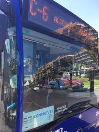 El Ayuntamiento informa que el 10,5% de los usuarios de las líneas C6 y Turibus utiliza la tarjeta de crédito para pagar el autobús