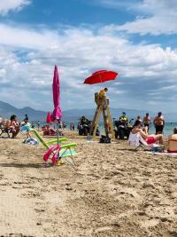 Policía Local patrullando las playas de Alicante