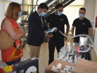 El alcalde visita la empresa innovadora que ha desarrollado el primer respirador bi-level de turbina para pacientes de Covid-19
