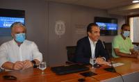 Javier Morales, Antonio Peral y Enrique Conejero en la mesa de presentación de las sesiones