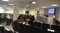 Una de las reuniones de ayer, coordinada por el concejal Antonio Peral