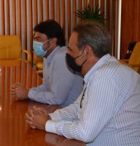 El concejal de Participación, Manuel Jiménez, en una reciente reunión con el alcalde