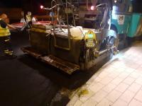 operarios asfaltando los polígonos