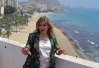 Mari Carmen Sánchez en la playa