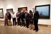 El alcalde, con el coleccionista Roberto Polo, los concejales de Cultura y Transporte, junto a otros representantes y técnicos que han tomado part...