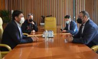 El alcalde, durante la reunión con los nuevos directivos de la Federación de Barracas