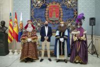 Los Reyes Magos con el concejal de Fiestas Manuel Jiménez