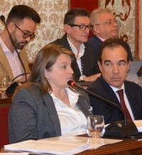 La concejala de Acción Social, Julia Llopis, interviene en un pasado Pleno