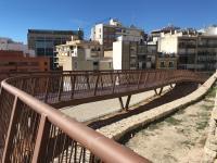 Pasarela acceso barrio Santa Cruz