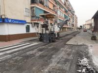 Tareas de asfaltado en el barrio Virgen del Remedio