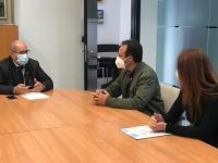 El concejal José Ramón González, en la reunión con los representantes de ADACEA