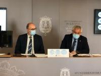 Comparenecia en rueda de prensa del edil de Cultura y portavoz del equipo de gobierno, Antonio Manresa, junto al portavoz adjunto, Manuel Villar