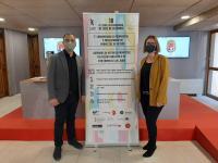 La concejala de Empleo y Fomento, Mª Carmen de España, junto al director del Festival de Cine de Alicante, Vicente Seva, en la presentación del ...