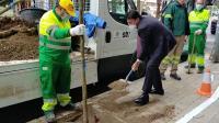 Luis Barcala ha participado en la compaña de plantación de nuevo arbolado