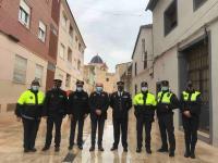 El concejal José Ramón González con parte del operativo de seguridad desplegado por la Santa Faz